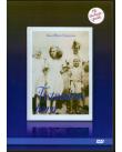 Blått omslag med ett gammalt svartvitt fotografi på fyra barn i mitten.