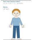En pojke med rött hår och blå kläder framifrån.