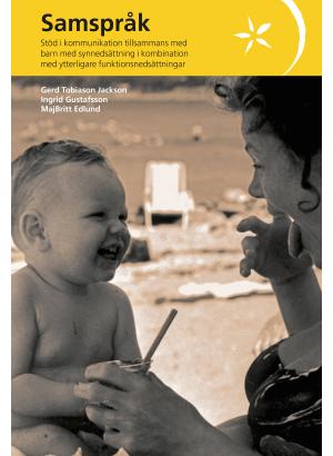 Framsida litet barn skrattar mot kvinna