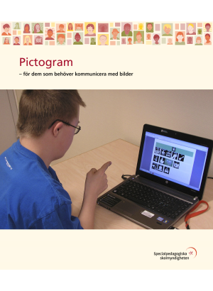 Elev använder Pictogram på datorn.